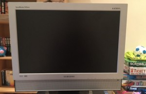 Your classic Samsung Syncmaster 940MW. Photo from Ebay.